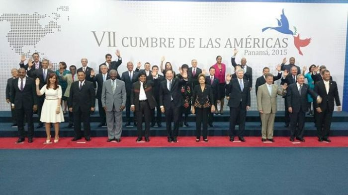 Foto oficial do encontro de líderes do continente americano