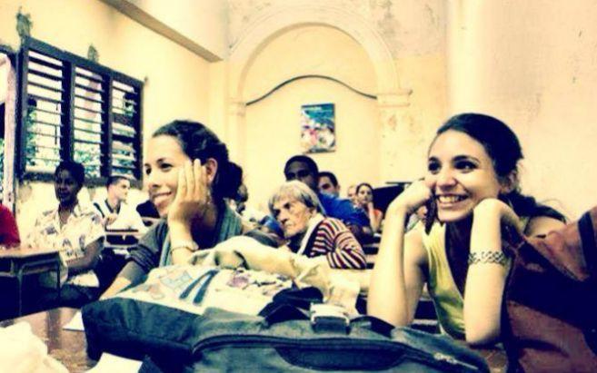 Cubanas assistem a curso da ONG Roots of Hope, vinculada ao Facebook